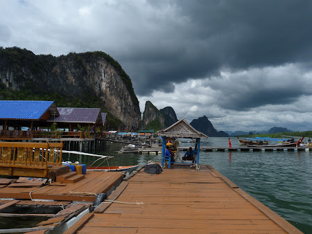 Vine furtuna in Thailanda
