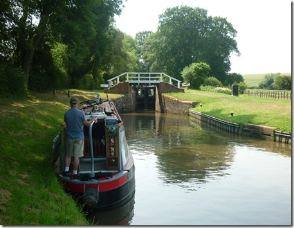 waiting in the shade at welford lock