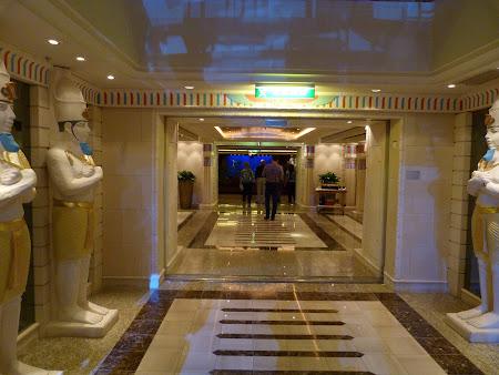 Croaziera Royal Carribean prin Mediterana: clubul Faraon