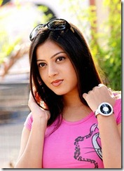 Keerthi Chawla photo