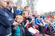 Schoolkorfbaltoernooi ochtend 17-4-2013 392.JPG