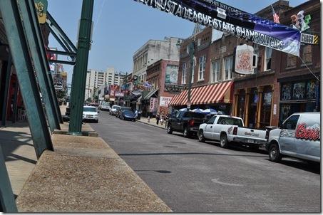 06-09-11 Memphis Beale St 10