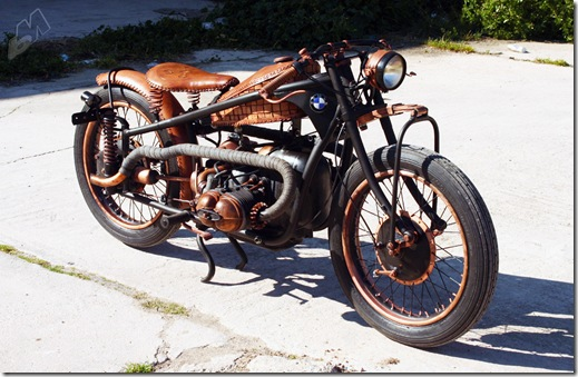 r51-3_copper-and-leather_bmw-bobber_right-front_luie-leather