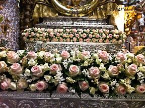 exorno-floral-centenario-coronacion-canonica-año-jubilar-mariano-angustias-granada-alvaro-abril-vela-2013-(21).jpg
