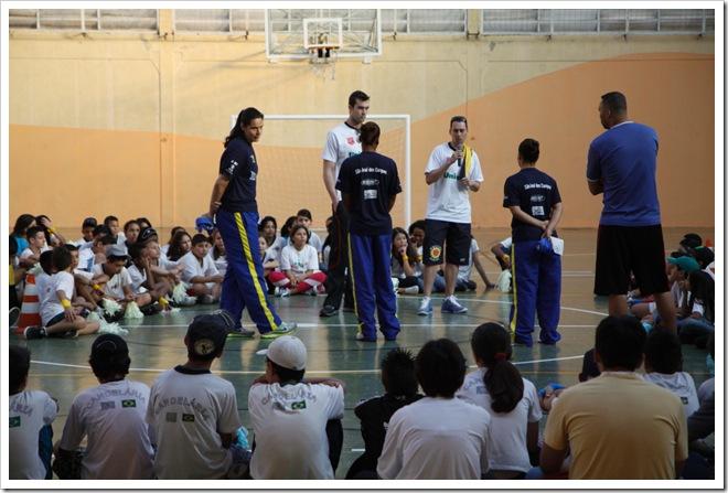 Atletas do basquete em tarde de bate-papo 2