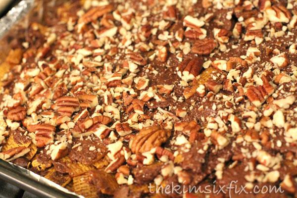 Chocolate pecan bark