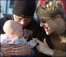 casal homossexual com filho