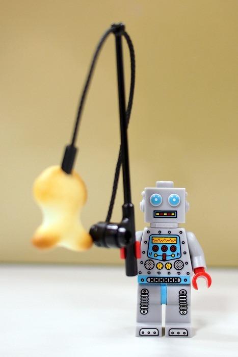 Mister Clockwork Robot Shows Off His Catch