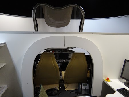 32. Simulator de zbor - scoala pilotaj Tuzla.JPG