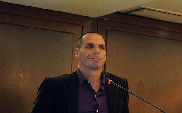 Κατηγορηματικά αντίθετος με τη δανειακή σύμβαση ο Γ. Βαρουφάκης