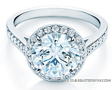 TIFFANY & CO. EMBRACE ® DIAMOND ENAGEMENT RING SETTING defines romance glamour accentuated round brilliant diamond bead-set diamonds LUCIDA NOVO LEGACY EMBRACE BEZET GRACE SOLESTE ETOILE DIAMOND Engagement Rings New York City luxury