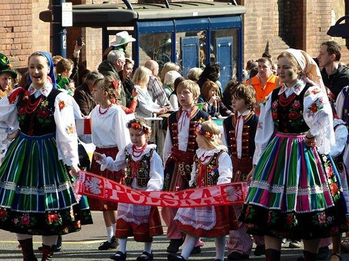 Парад на день святого Патрика в Бирмингеме, поляки