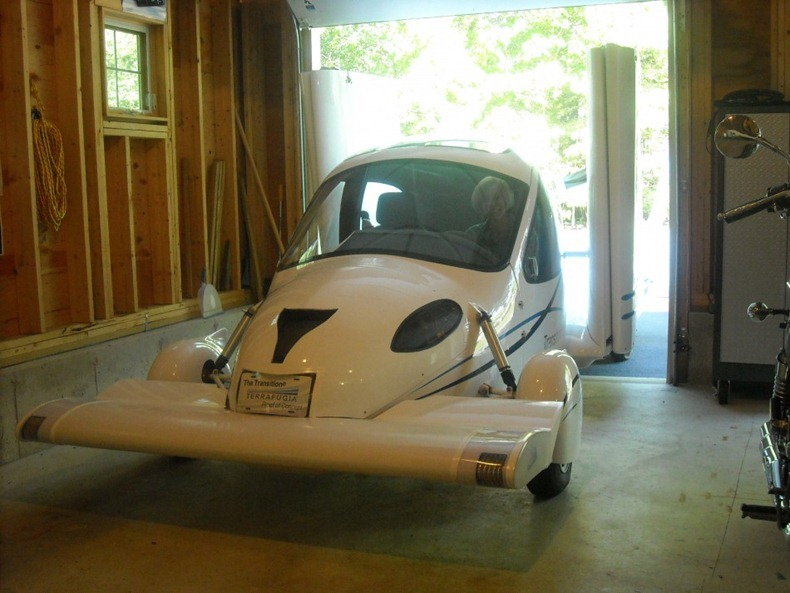 flying-car-terrafugia-2