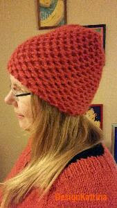 Knittingpattern orange super bulky cap with structure