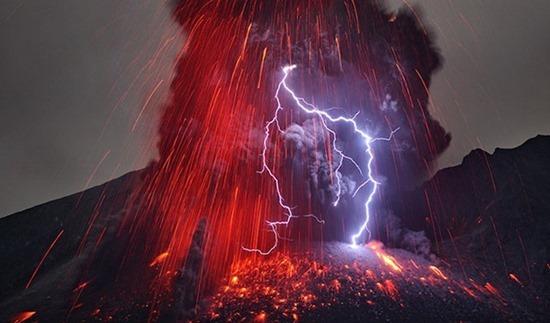Vulcano em Erupção 01