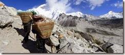 002 sherpa nella valle
