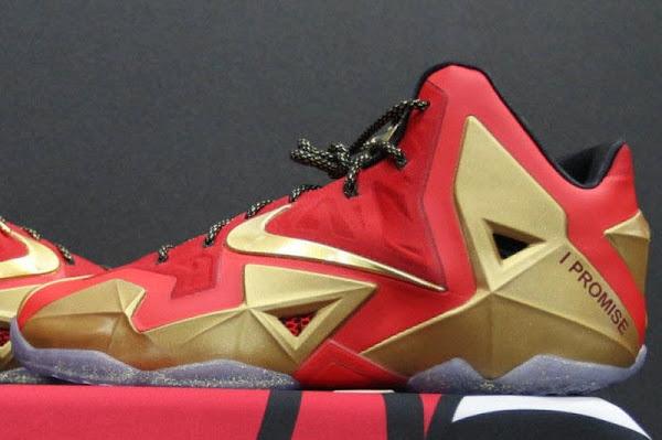 LeBron James8217 Nike LeBron XI Ring Night Player Exclusive