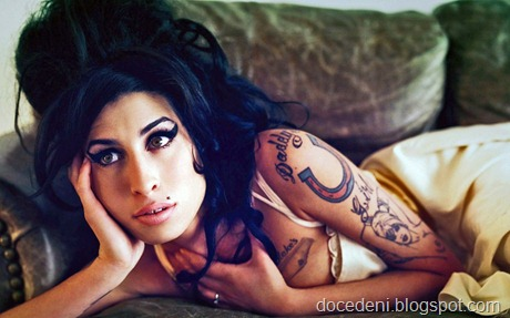 amy-winehouse-18-914x571