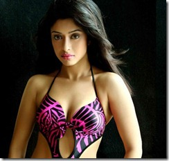 Payal-Ghosh-hot-cleavage