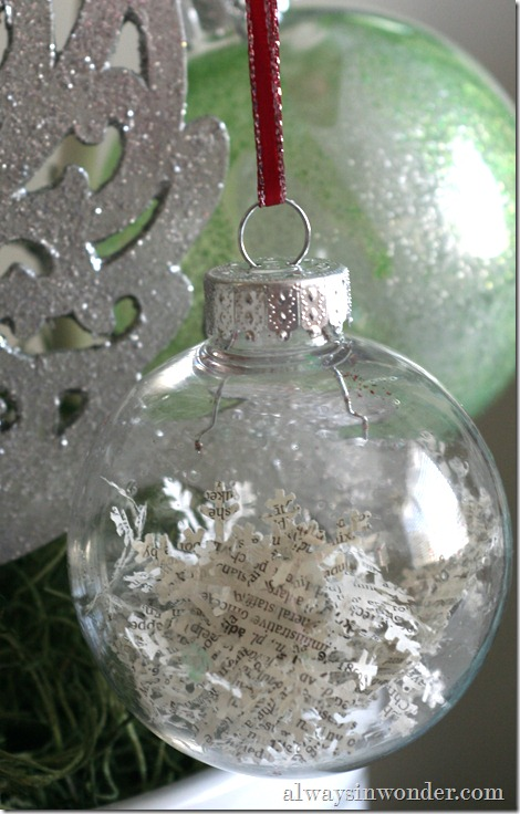 book_page_Christmas_ornaments