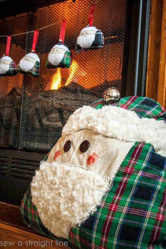 santa face pillows sew a straight line-1-3
