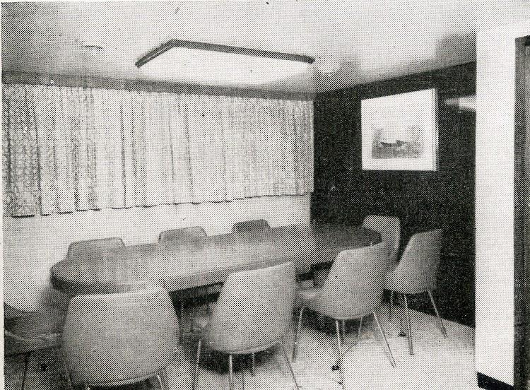 Salon del buque. Foto Ingenieria Naval. Septiembre de 1965.jpg