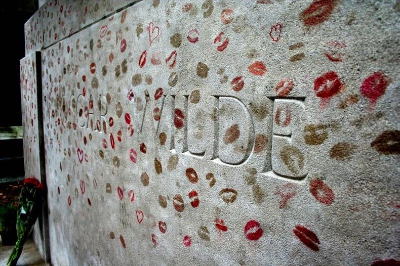 oscar-wilde-tomb-1