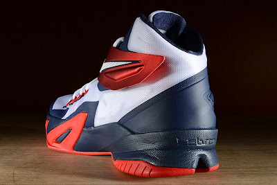 nike zoom soldier 8 gr usa basketball 2 01 Release Reminder: Nike Zoom LeBron Soldier 8 USA Basketball