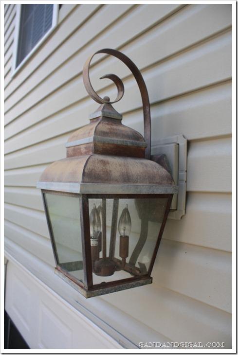 Outdoor lantern