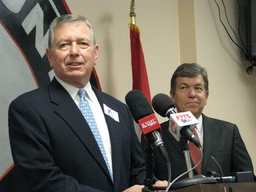 Former US Attorney General and former governor of Missouri John Ashcroft referred to Blunt as a good friend and a leader. (Photo credit: Kristian Kriner)