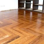 Parquetón de madera maciza para interiores - Piso de madera en Sapán 3.jpg
