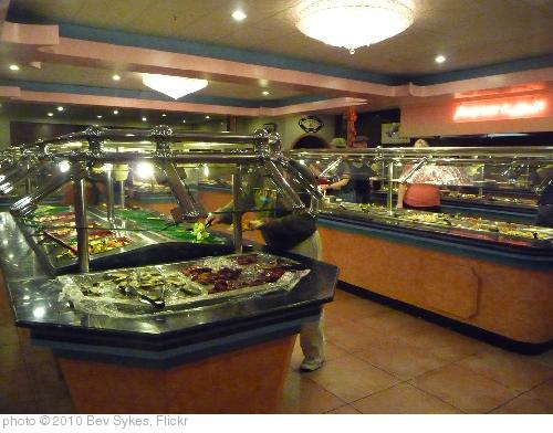 'Buffet fit for a King' photo (c) 2010, Bev Sykes - license: http://creativecommons.org/licenses/by/2.0/