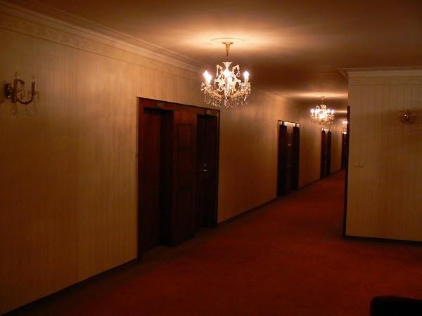 1. coridoare hotel Devin Bratislava.JPG