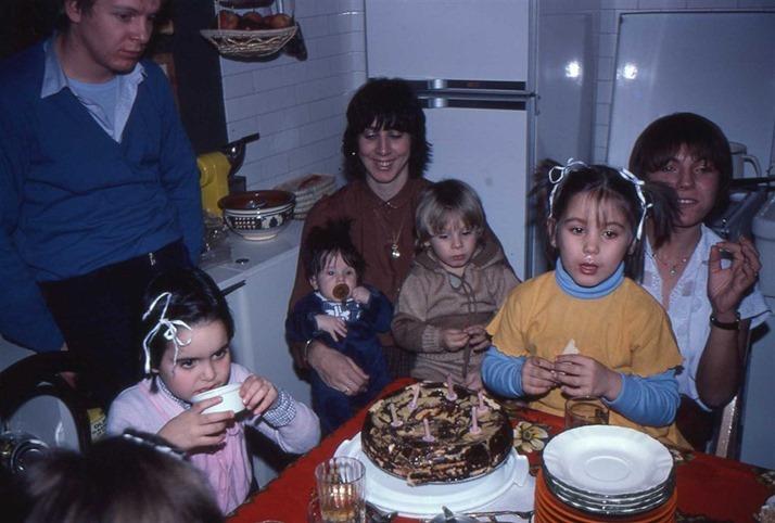 1981-12 compleanno Sara (1)