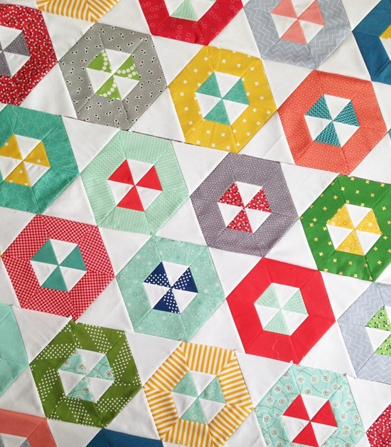 Hoopla Quilt, Sewing the rows