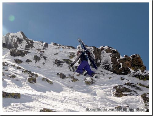 Arista NO y Descenso Cara Oeste con esquís (Pico de Arriel 2822m, Arremoulit, Pirineos) (Omar) 0774