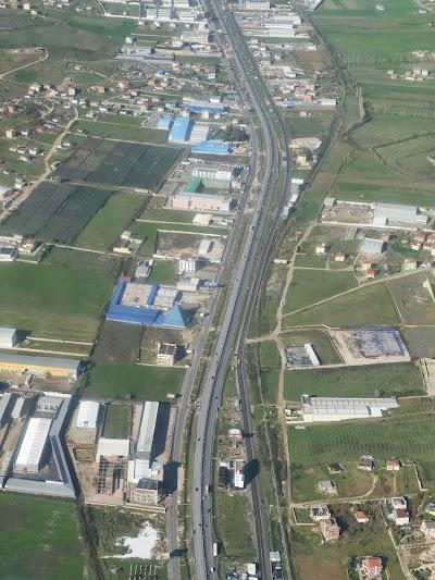 Imagini Albania: Autostrada Durres - Tirana