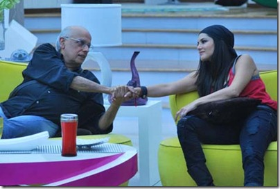 Mahesh-Bhatt-talks-to-Sunny-Leone