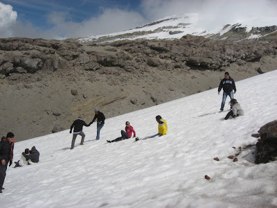 Nevado del Ruiz - Colombians seeing snow for the first time