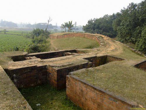 Ruins at Mahasthangarh