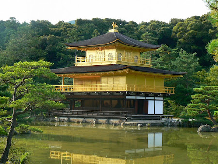 Things to do in Japan: The golden temple