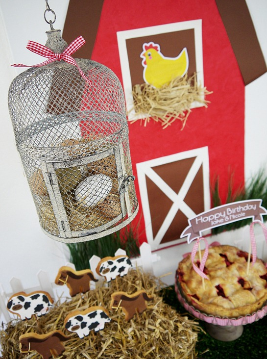 Barnyard Birthday - Desserts Table Decor
