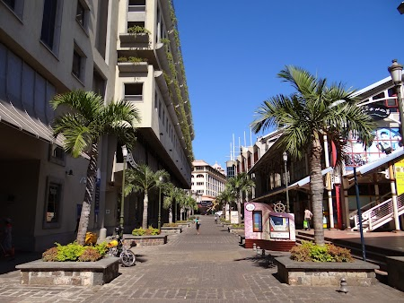Caudan Waterfront, zona de mall-uri din Port Louis