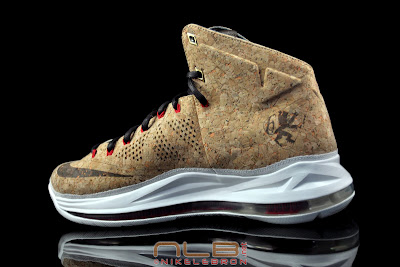 lebron10 nsw cork 36 web black The Showcase: NIKE LEBRON X Cork World Champions Shoes