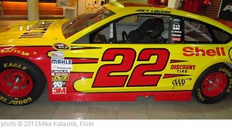 'Joey Logano' photo (c) 2013, Mike Kalasnik - license: http://creativecommons.org/licenses/by-sa/2.0/