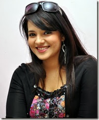 saloni_latest_photoshoot_pics