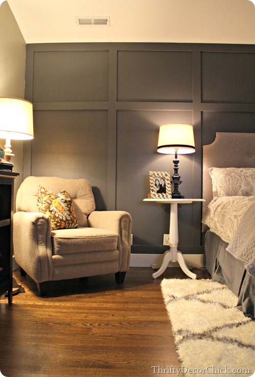 Dark gray accent wall from thrifty decor chick for Dark wall decor ideas