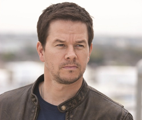 MARK WAHLBERG leads the cast as Chris Farraday in ?Contraband?, a white-knuckle action-thriller about a man trying to stay out of a world he worked hard to leave behind and the family he?ll do anything to protect.