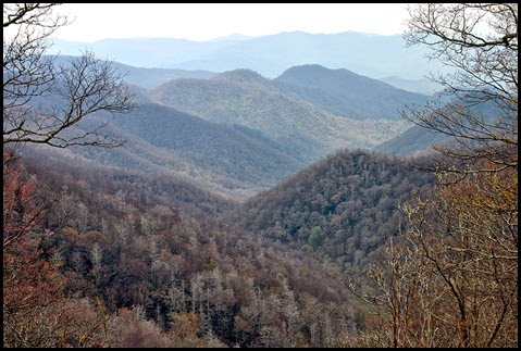 10 - returning on Newfound Gap Road - view of The SMOKY mountains