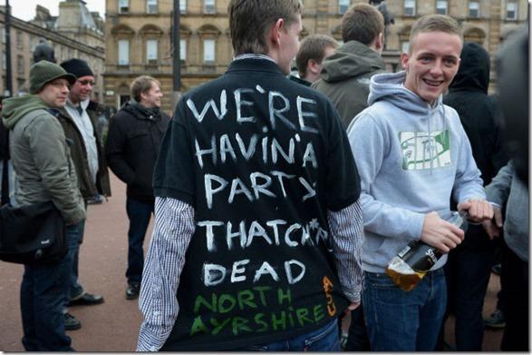thatcher-death-party-5